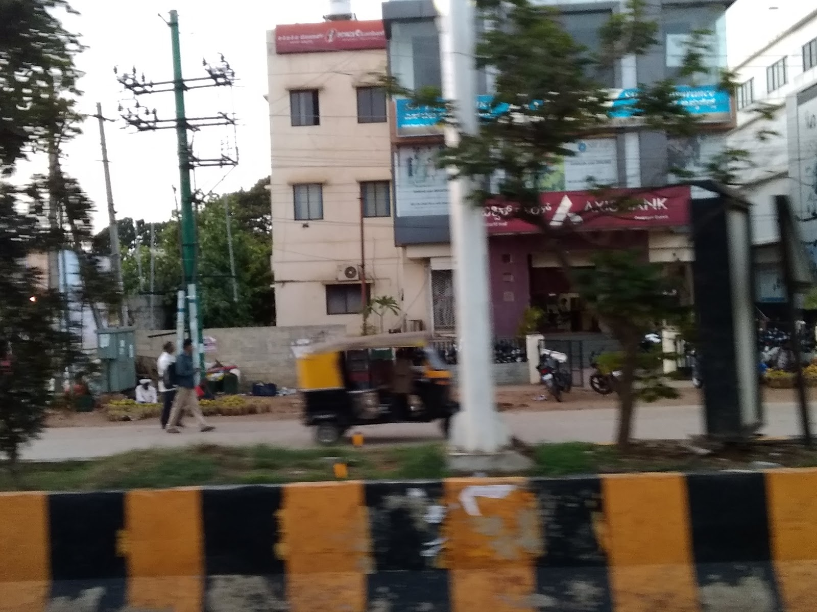 blood bank Axis Bank near Davanagere Karnataka